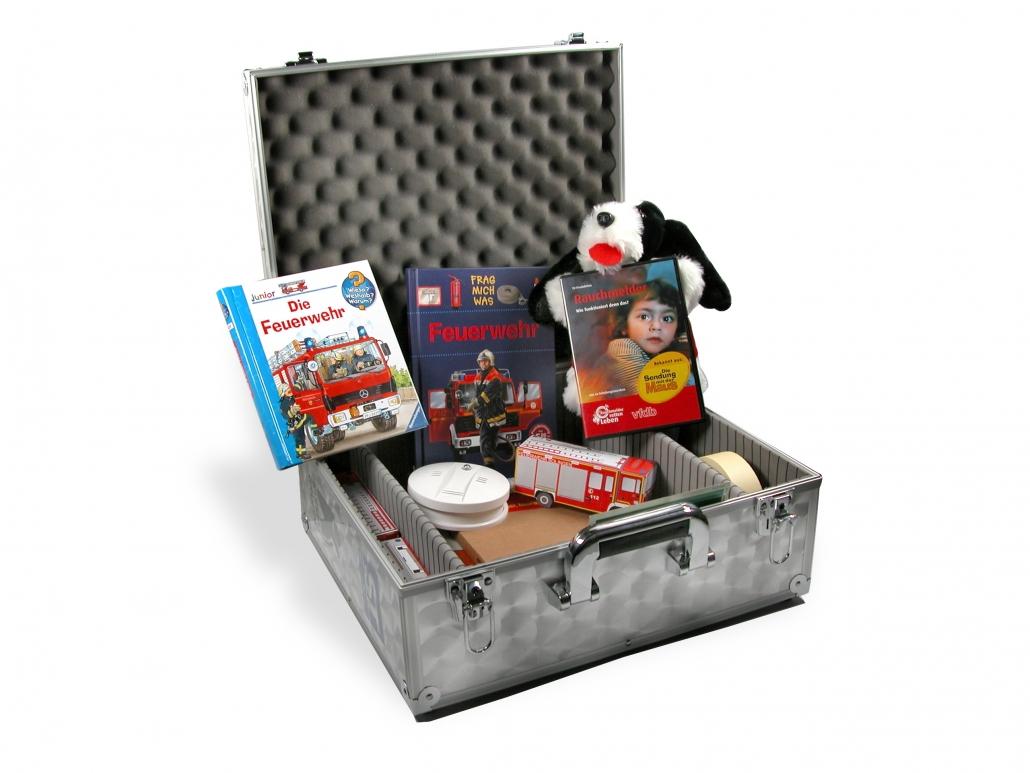 Koffer zur Brandschutzerziehung offen
