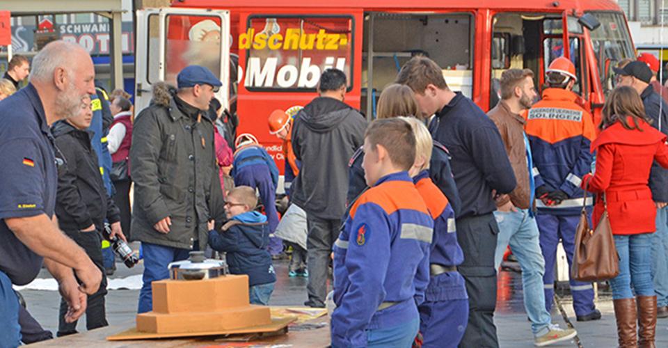 Gruppe 112 Brandschutzmobil in Solingen Feuerlöscher