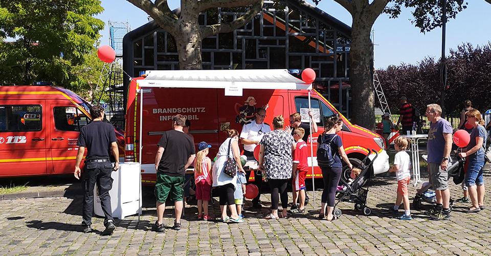 Gruppe 112 Brandschutzmobil in Solingen